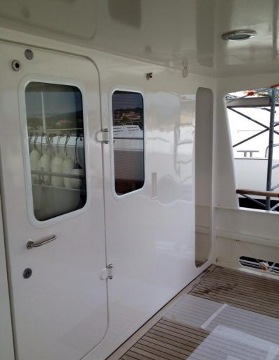 Ultimate-Yacht-Refinishing-Repairing-45