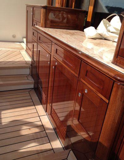 Ultimate-Yacht-Refinishing-Varnishing-058