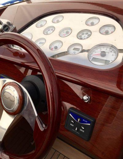 Ultimate-Yacht-Refinishing-Varnishing-085