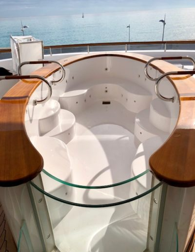 ULTIMATE-YACHT-REFINISHING-PAINTING-101